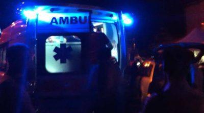 Corsico. Incidente in via Vittorio Emanuele, auto sfonda transenna del Naviglio