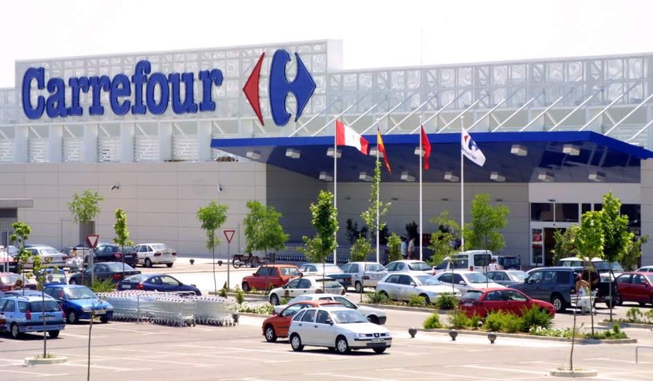 Milano, Carrefour compra 28 supermercati Auchan da Conad: