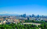 Appartamenti a Milano sud ovest e veduta dei grattacieli di Porta Nuova a Milano